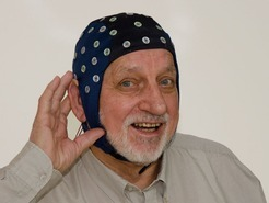 Older people often experience hearing difficulties. One reason for this are changes in the attention processes in the brains of older people.